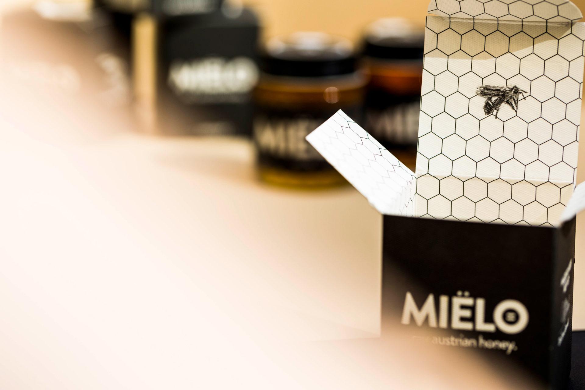 VALENCE MIELO Branding 03